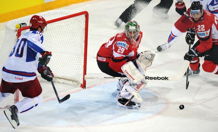 Российская сборная по хоккею победой завершила групповой этап ЧМ. Фото: ALEXANDER NEMENOV/AFP/Getty Images