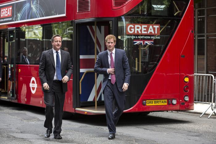Принц Гарри и Дэвид Кэмерон провели рекламную компанию «Great». Фото: Brendan McDermid - Pool/Getty Images