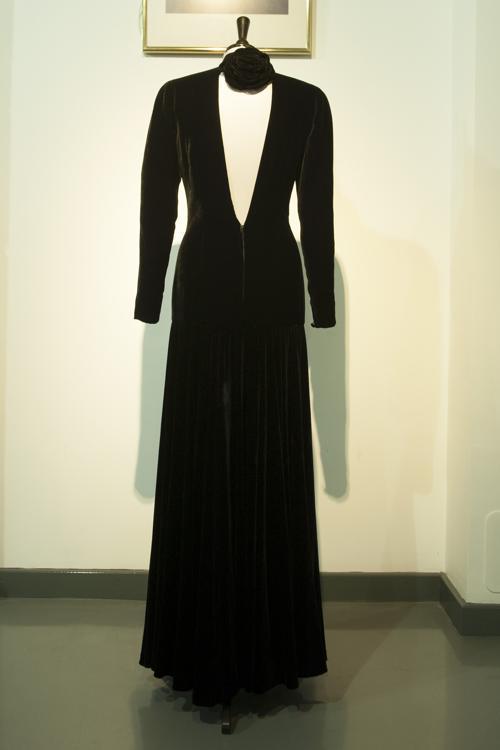 Платья принцессы Дианы выставлены на аукцион. Фото: Simon Burchell/Getty Images