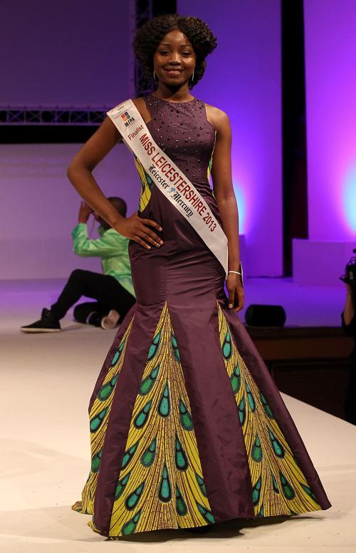 Финалистки конкурса «Мисс Англии 2013» . Фото: Danny E. Martindale/Getty Images