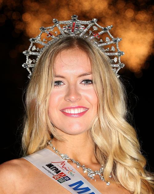 Победительница конкурса красоты «Мисс Англии 2013» 24-летняя Кирсти Хэслвуд из Хартфордшира. Фото: Danny E. Martindale/Getty Images