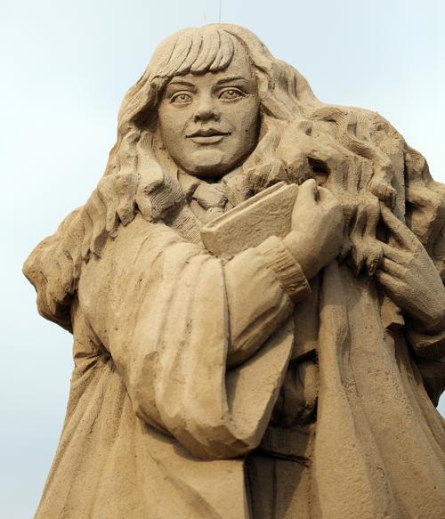 Песчаные скульптуры голливудских героев представили на фестивале в Лондоне. Фото: Matt Cardy/Getty Images