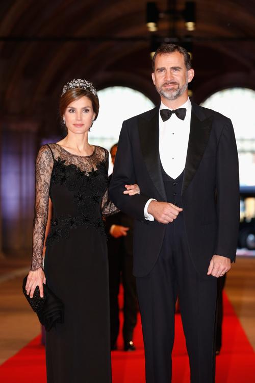 Принцесса Испании Летиция и принц Испании Фелипе на приёме в Нидерландах в честь передачи престола принцу Виллему-Александру. Фото: Michel Porro/Getty Images