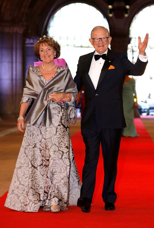 Принцесса Нидерландов Маргриет и её муж Петер ван Волленховен на приёме в Нидерландах в честь передачи престола принцу Виллему-Александру. Фото: Michel Porro/Getty Images