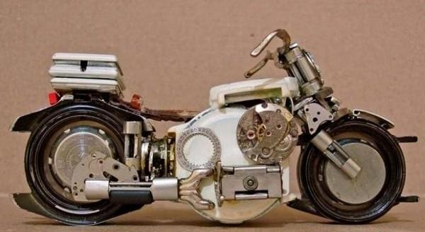 Модели мотоциклов, собранные из часовых деталей.Фото с kanzhongguo.com