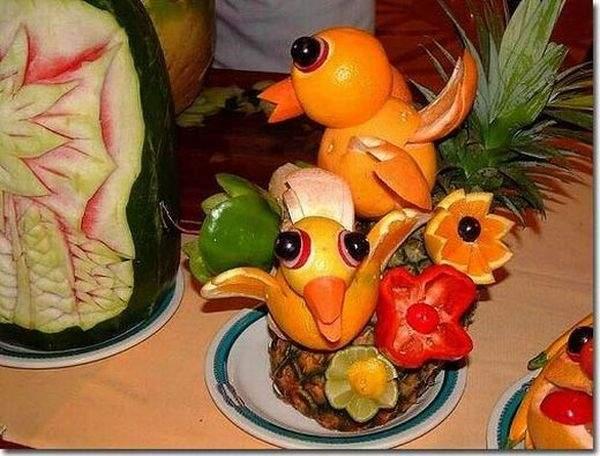 Фантазии из фруктов и овощей. Фото с сайта animalworld.com.ua