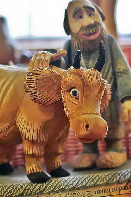 «Такая корова нужна самому!». Музей деревянного зодчества в д. Лункино. Фото: Сергей Лучезарный/Великая Эпоха (The Epoch Times)