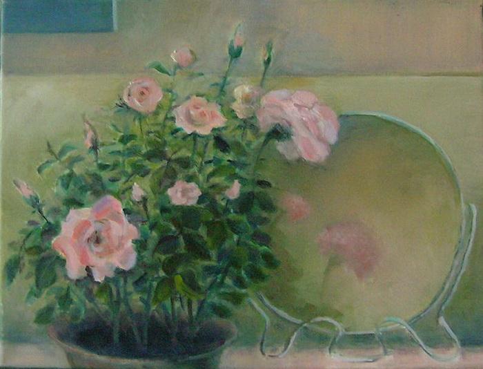 Розовый куст и зеркало. Фото с сайта tarbut.zahav.ru