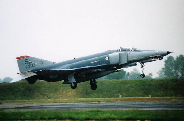 Фотогалерея военных самолетов 1985-1995 годов. Фото: Roel van Gestel