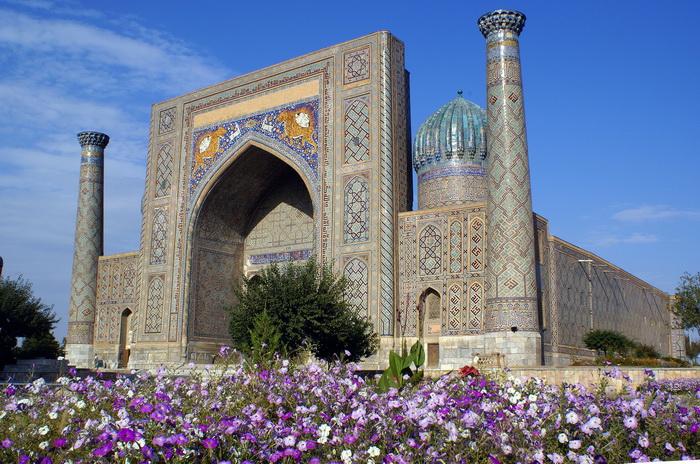 Медресе Шердор на площади Регистан. Фото: Елена Голишева и Франсиско Гавилан