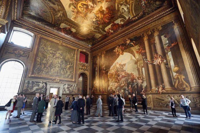 Расписной зал королевского военно-морского госпиталя в Гринвиче можно посмотреть после нескольких месяцев работ по консервации произведения искусства в стиле барокко. The Painted Hall, The Royal Navy College, 2 мая 2013 г. Фото: Oli Scarff/Getty Images