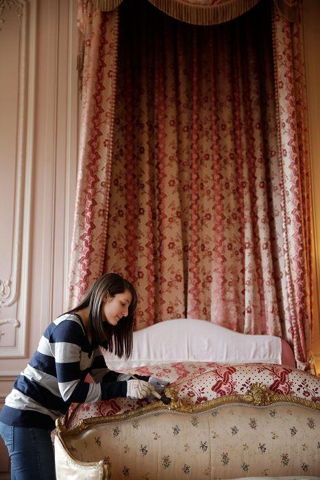 Замок Уоддсдон в графстве Бакингемшир в центре Англии подготавливается к открытию сезона 2013 года 22 марта. Фото: Matthew Lloyd/Getty Images for Waddesdon Manor