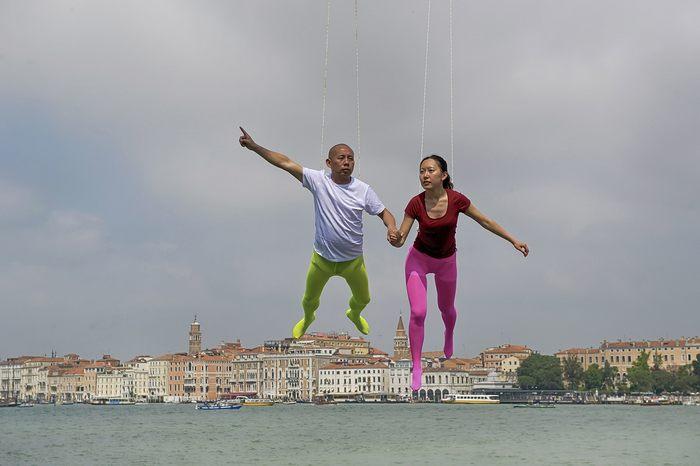 Художники и артисты разных стран готовятся к Венецианской Биеналле искусства, которая состоится с 1 июня по 24 ноября. 28 мая 2013 г. в Венеции, Италия. Фото: Marco Secchi/Getty Images