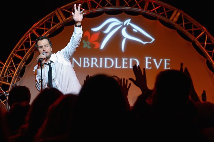 Люк Брайан на праздничном вечере в преддверии 139 скачек Дерби-Кентукки 3 мая 2013 года. Фото: Michael Loccisano/Getty Images for York Sisters, LLC