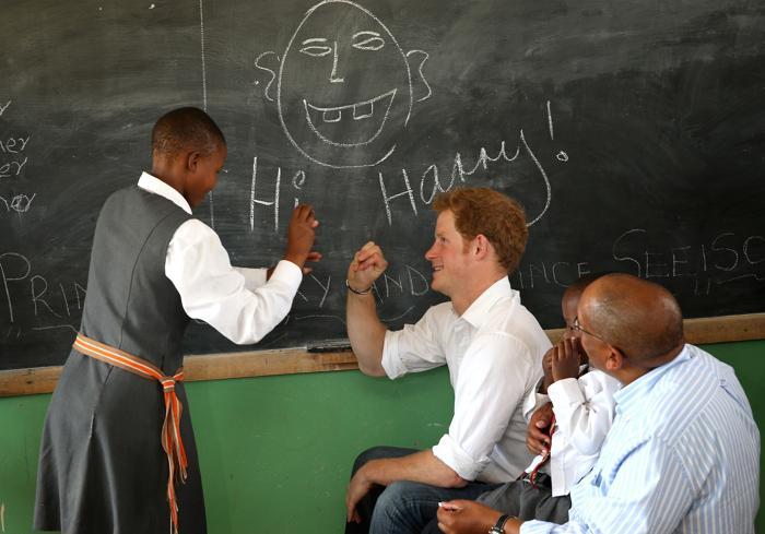Принц Гарри посетил детей в Лесото. Фото: Chris Jackson/Getty Images