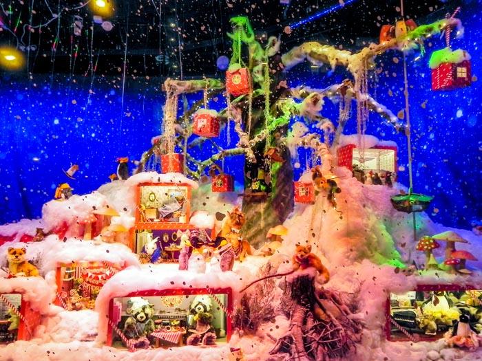 Новогодние витрины Хельсинки. Фото: Лариса Кононова/Великая Эпоха (The Epoch Times)