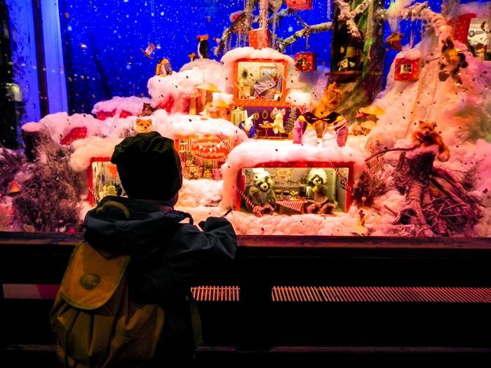 Теперь буду ждать нового Рождества и нового Нового года. Новогодние витрины Хельсинки. Фото: Лариса Кононова/Великая Эпоха (The Epoch Times)