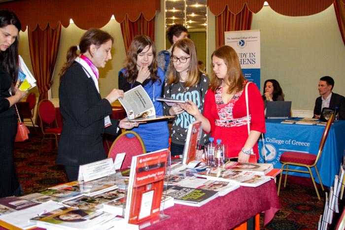 Выставка в Москве Begin Undergrad Fair-2 — высшее образование для ваших детей. Фото: Ульяна Ким/Великая Эпоха (The Epoch Times)