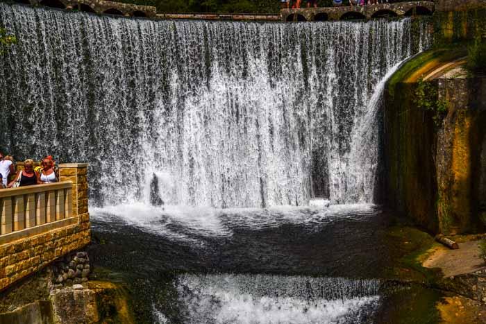 Водопад в Новом Афоне. Фото: Пётр Корнеев
