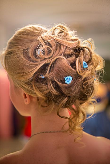 легкие прически на осенний бал на средние волосы