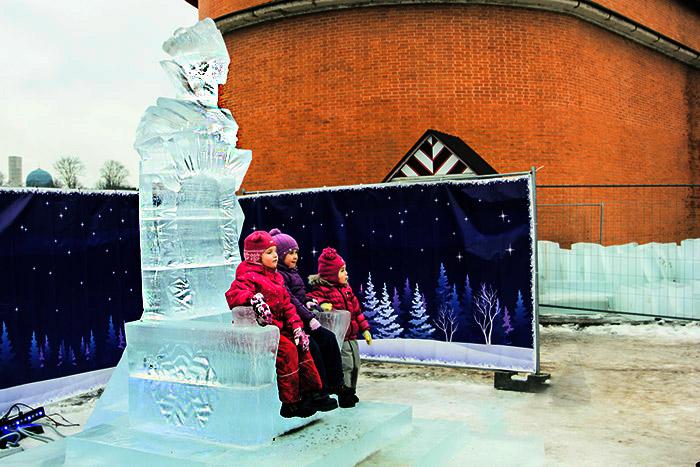 На троне Снежной королевы. Фото: Олег Луценко/Великая Эпоха (The Epoch Times)