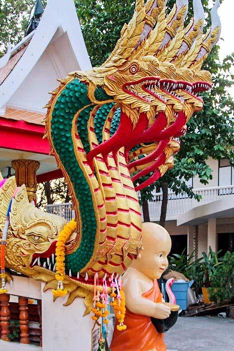 Скульптура дракона на холме большого Будды, Паттайя. Фото: Николай Карпов/Великая Эпоха (The Epoch Times)