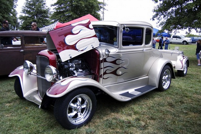 Хот-род классический Ford Model А купе 1931 года с прицепом. Владелец — Майк Уильямс. Оттава, штат Канзас, автошоу, 19 сентября 2008 года. Фото: Cat Rooney/Великая Эпоха (The Epoch Times)
