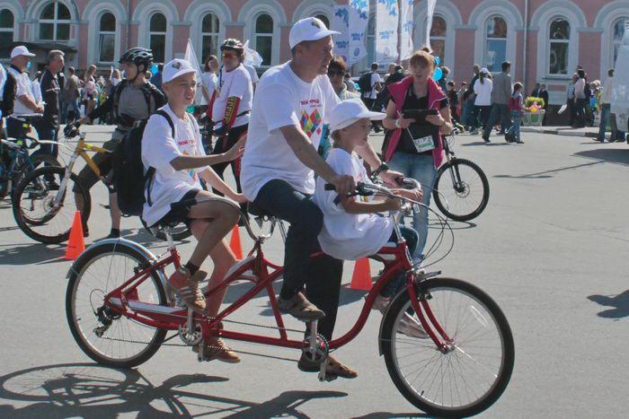 Участники велопробега. Фото: Николай Карпов/Великая Эпоха (The Epoch Times)