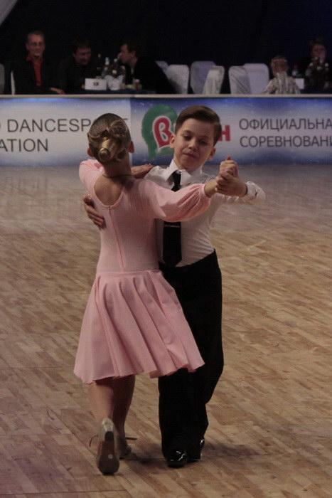 Дарья с партнёром выступают в категории «Дети 1». Фото: Николай Карпов/Великая Эпоха (The Epoch Times)