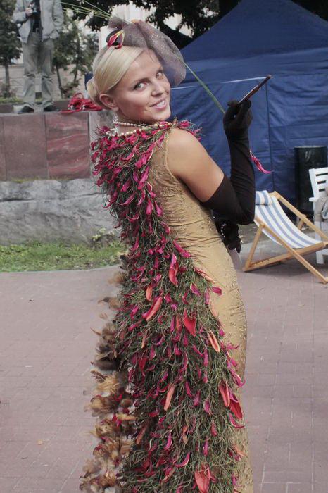 Модель конкурса цветочных платьев. Фото: Николай Карпов/Великая Эпоха (The Epoch Times)
