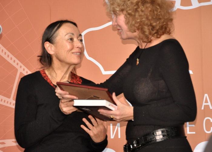 На церемонии вручения награды на VII международном кинофестивале «Русское зарубежье». Фото: Ульяна Ким/Великая Эпоха (The Epoch Times)
