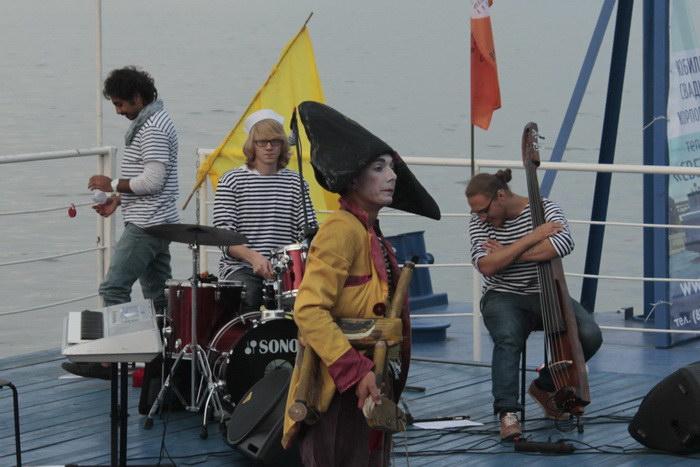 Клоун-мим Авабука в роли Наполеона. Фото: Николай Карпов/Великая Эпоха (The Epoch Times)