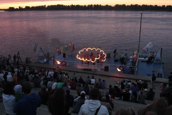 Представление театра огня. Фото: Николай Карпов/Великая Эпоха (The Epoch Times)