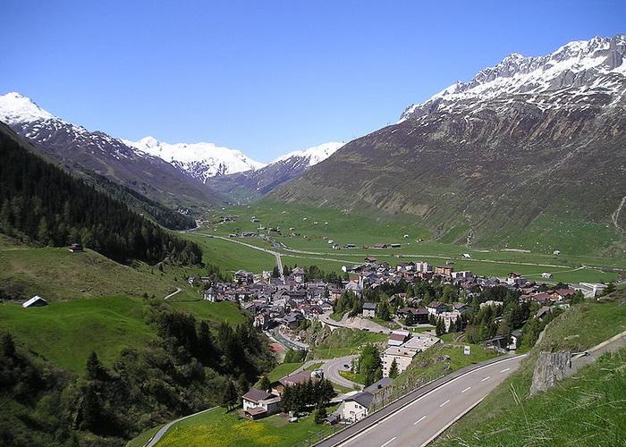 Андерматт — небольшая красивая горная деревня в Центральной Швейцарии. Фото: own picture/commons.wikimedia.org