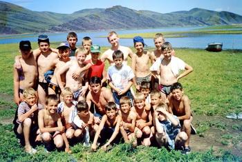Поход на Тепсей с детьми, 1990 гг. Фото предоставлено Татьяной Вишневской