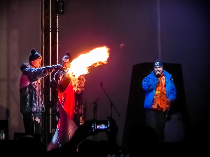 Передача огня в следующий город. Фото: Екатерина Сёмина/Великая Эпоха (The Epoch Times)