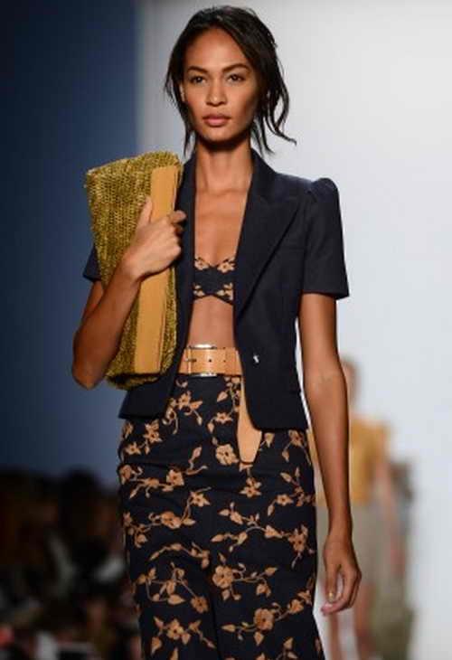 Пуэрториканская модель Джоан Смоллс  участвует в показе весенне-летней коллекции—2014  Kors во время недели моды в Нью-Йорке 11 сентября 2013 г. Джоан Смоллс  заняла первое место в рейтинге Model.com. за 2013 г. Фото: EMMANUEL DUNAND/AFP/Getty Images