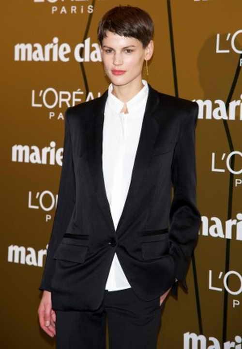 Саския де Брау посещает вручение наград  Marie Claire Prix de la Moda во французском посольстве  в Испании  22 ноября 2013 г. Фото:  Carlos Alvarez/Getty Images