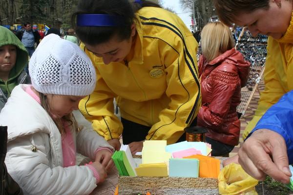 Цветы лотоса в подарок к Первомаю  получили жители Ставрополя. Фото: Зоя ОРЛЕНКО. Великая Эпоха (The Epoch Times)