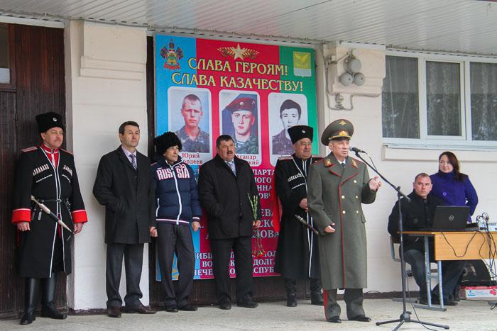 Выступление  участника  войны в Чечне генерала П.И.Ефремова. Фото предоставлено Иваном Кудиновым