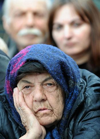 В России снова появятся продовольственные карточки? Фото:VANO SHLAMOV/AFP/Getty Images