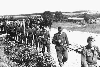 Отступление немецких войск в 1944 году. Фото с pohodd.ru