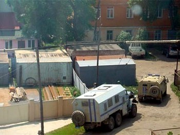 Дом в Уссурийске, в котором укрывались преступники. Фото с VL.Ru