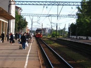 На вокзале в Гатчине. Фото с dic.academic.ru