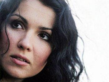 Анна Нетребко. Фото с официального сайта певицы