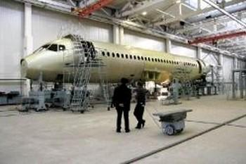Сборка Sukhoi Superjet 100 на заводе в Комсомольске-на-Амуре. Фото с newsland.ru
