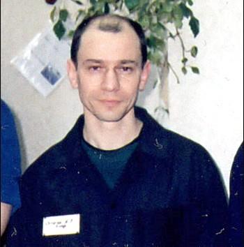 Игорь Сутягин в колонии строго режима в городе Сарапул. 7 апреля 2005 года. Фото: hro.org