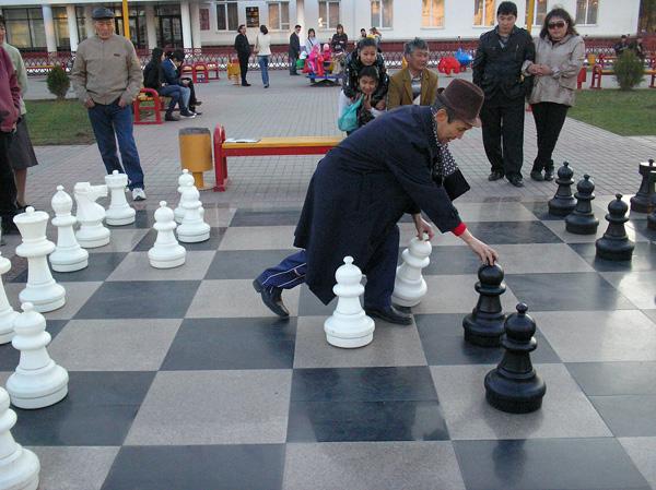 Шахматная доска размером примерно 5х5 м. г.Элиста. Фото: Анатолий Белов/Великая Эпоха