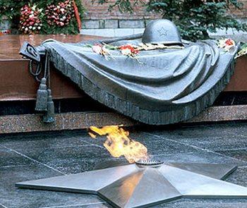 День памяти  и скорби по погибшим в ВОВ пройдет по городам России. Фото с news4k.com