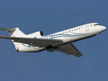 Як-42 потерял четыре шины. Фото с mixnews.lv